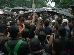 Trinamool Rally Cuts No Ice With Protesting Jadavpur University Students