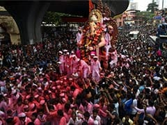 Mumbai Bids Emotional Adieu to Favourite God on Ganesh Visarjan