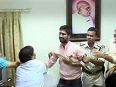 Ujjain University Vice Chancellor Attacked by Saffron Men for his Help J&K Appeal, 2 Arrested