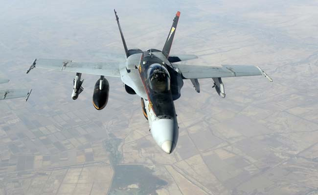 Canada to Withdraw Jets Fighting ISIS Within Weeks: Minister