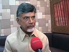 Hands-on in Vizag, Chandrababu Naidu is Working From a Bus