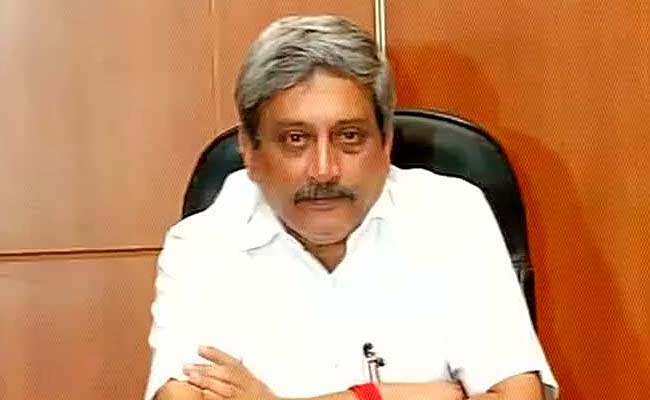 Manohar Parrikar Chairs Last Goa Cabinet Meeting, Gets Teary-Eyed