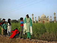 Uttar Pradesh Government to Help Retired Man Build 'Mini' Taj Mahal in Bulandshahr