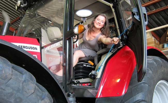 Dutch Adventurer Reaches South Pole on Tractor