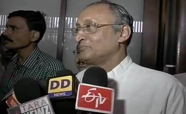 Mamata Banerjee Takes on Vibrant Gujarat with Bengal Investors Summit