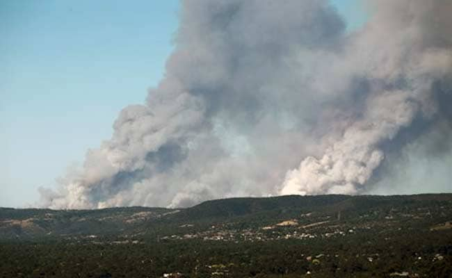 Australian Wildfire Razes 26 Homes, 29 People Seek Treatment