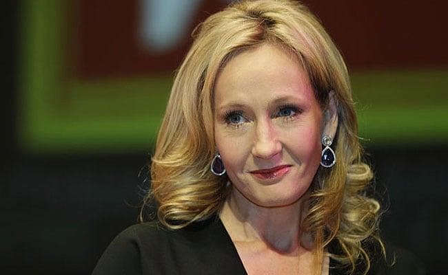 JK Rowling Aims Sarcastic Tweets at Rupert Murdoch