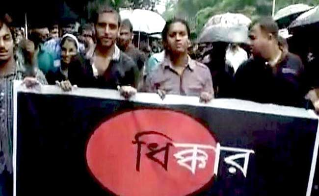 Jadavpur University Students Launch 'Fast Unto Death' Demanding Vice Chancellor's Removal