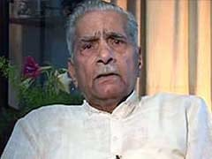 AAP Sends Invite to Shanti Bhushan for National Council Meeting