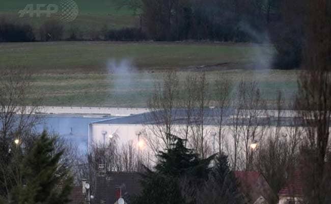 Charlie Hebdo Gunmen and Paris Super-Mart Hostage-Taker Killed: 10 Developments