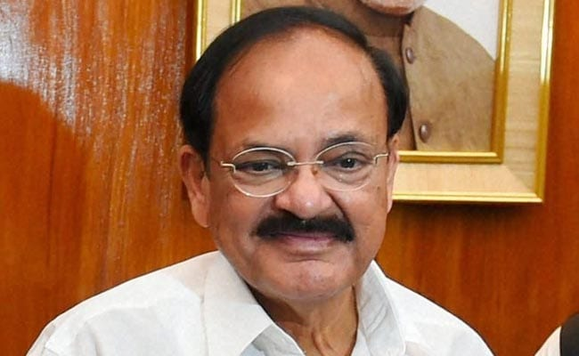 UN Official Meets M Venkaiah Naidu, Pitches for Solar Power Promotion