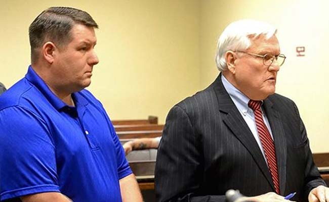Judge Declares Mistrial in US Police Shooting Case