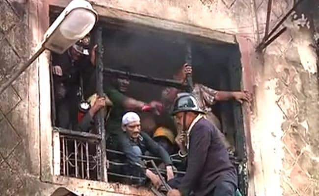 One Dead in Fire in Residential Building in South Mumbai