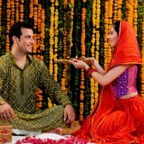 Karva Chauth 2014: This Time, Men Are Fasting Too!