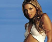 Ali Larter confirms pregnancy