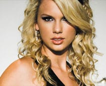 Taylor Swift flees from love