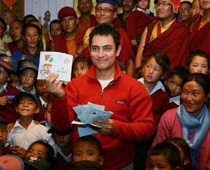 Aamir to rebuild Rancho's school in Leh