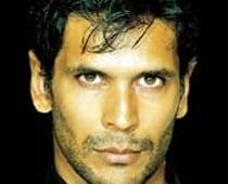 Milind Soman first to lose 'Khatron Ke Khiladi 3'