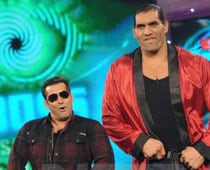 Ashmit, Khali happy for Shweta's <I>Bigg Boss</I> victory, Dolly nonchalant