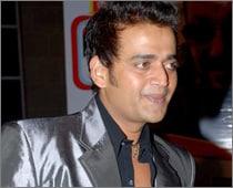 Sujit Kumar's Son Signs Ravi Kissen