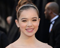 Hailee Steinfeld, 14, To Bare All In New Film