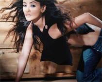 Bhindi Bazaar Inc. Actress Warns Mom About Bold Scenes