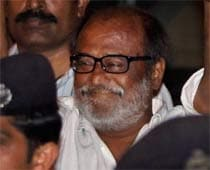 Rajini speaks to Karuna, enquires about Kani