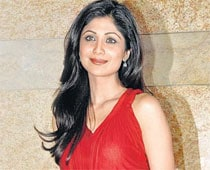 Kissing row: Supreme Court transfers cases against Shilpa Shetty to Mumbai
