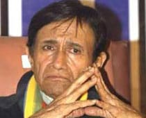 Fans mourn Dev Anand's demise