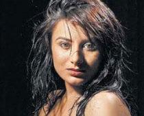 Kannada actress Pooja Gandhi joins JD(S)