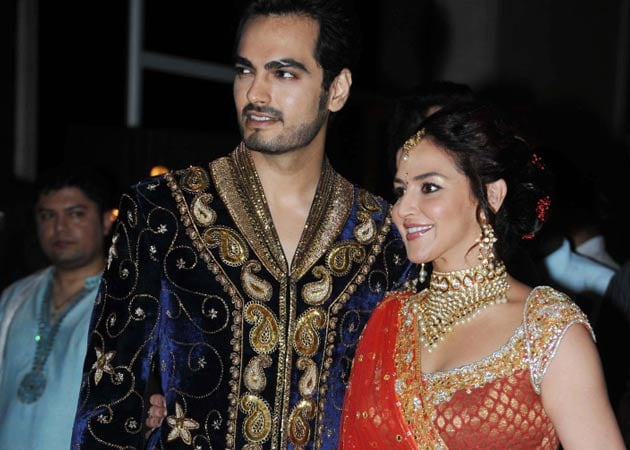 Find out what Esha Deol will wear for her wedding