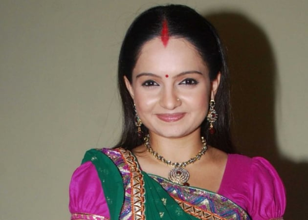 <i>Saath Nibhana Saathiya</i>'s Gia Manek replaced for breach of contract