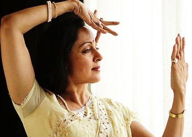 No need for big heroines to do item numbers : Hema Malini