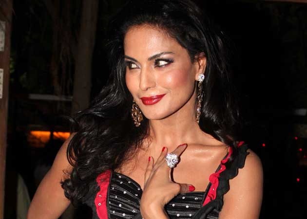Veena Malik says lead actresses should do item songs