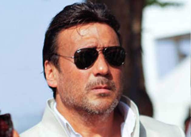 Jackie Shroff hurls abuses in a video, trends on Twitter