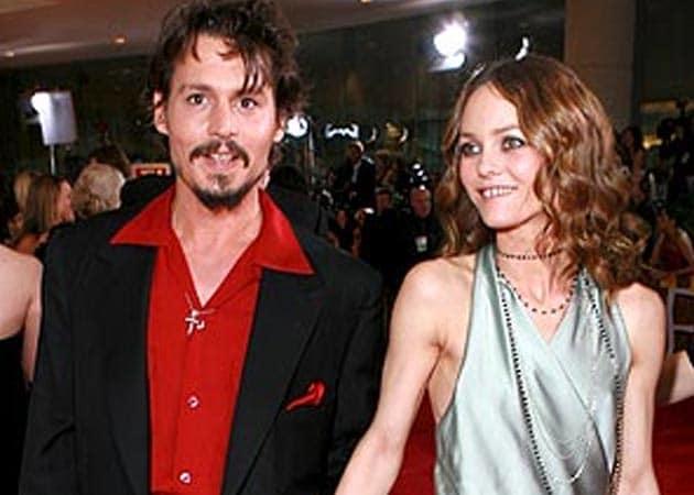 Johnny Depp wants Vanessa Paradis back