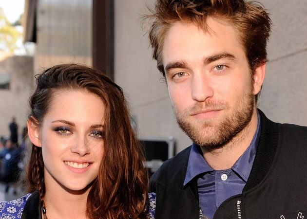 Kristen Stewart makes public apology to Robert Pattinson for cheating on him