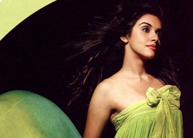Asin goes all out in Maharashtrian finery for Khiladi 786