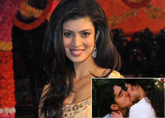 Kissing scenes scare Tena Desae