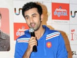 Ranbir Kapoor sings his Barfi! song live for fans