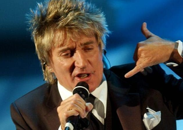 Rod Stewart loves Christmas holidays for the football on TV - NDTV Movies