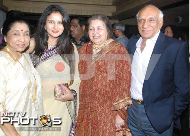 and late Yash Chopra are Yash Chopra Family Photo