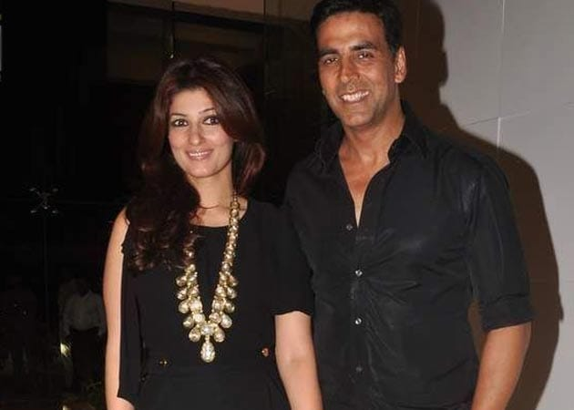 Twinkle gives Akshay Kumar a standing ovation after watching
