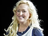 Country star Mindy McCready dies in apparent suicide