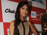 I can't carry film on my shoulders: Esha Gupta