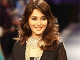 Madhuri Dixit sings with her mother for Gulab Gang
