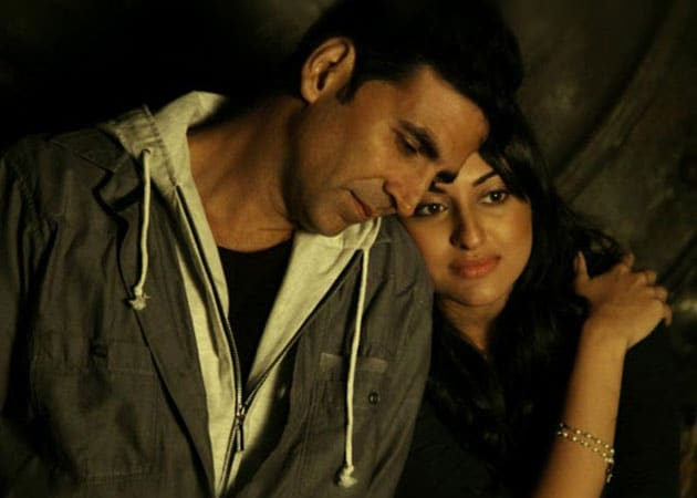 Akshay Kumar, Sonakshi Sinha team up for special song in