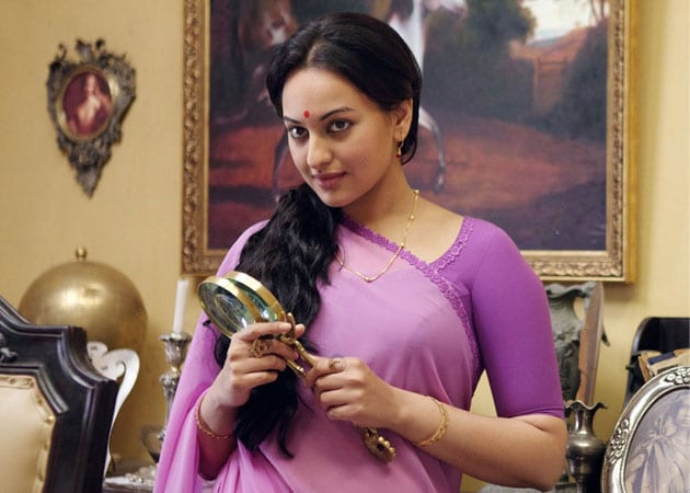 Sonakshi Sinha In A Still From The Film Lootera