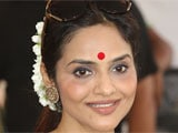 Madhoo: Theatre can't be compared with cinema
