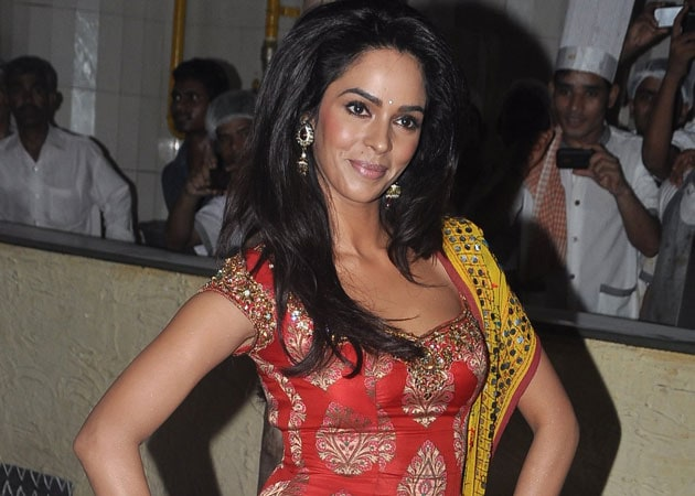 mallika sherawat first moviemallika sherawat instagram, mallika sherawat wikipedia, mallika sherawat vegan, mallika sherawat first movie, mallika sherawat body measurement, mallika sherawat belly dance, mallika sherawat film, mallika sherawat age, mallika sherawat films list, mallika sherawat, mallika sherawat facebook, mallika sherawat movies list